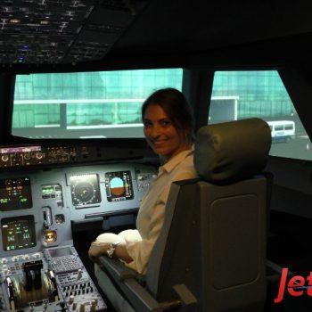 Endlich mal wieder eine Frau als Piloten bei JetSim in Berlin