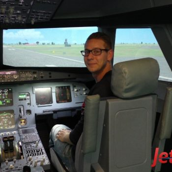 Pattrick hat den Vogel im Flugsimulator in Berlin gut gelandet