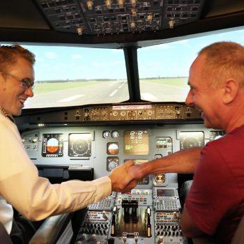 JetSim-Flugsimulator Berlin: Vom Erlebnis und der eigenen Landung begeistert