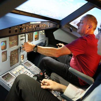 Vorbereitung zur Landung mit dem JetSim-Flugsimulator Berlin