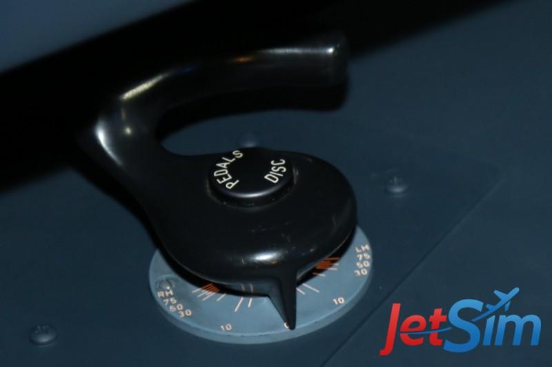 Orignale Steering-Tiller des Flugsimulators von JetSim in Berlin