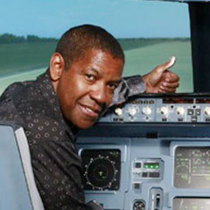 Denzel Washington bei JetSim Flugsimulator Berlin
