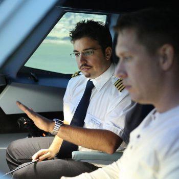 Die Einweisung zum Flug und JetSim-Flugsimulator Berlin