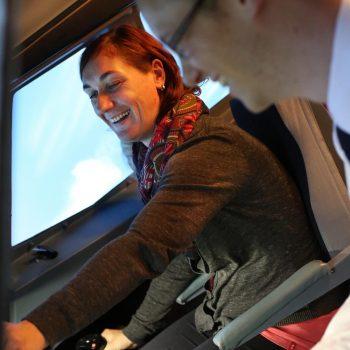 Ein Lächeln im JetSim Flugsimulator Berlin