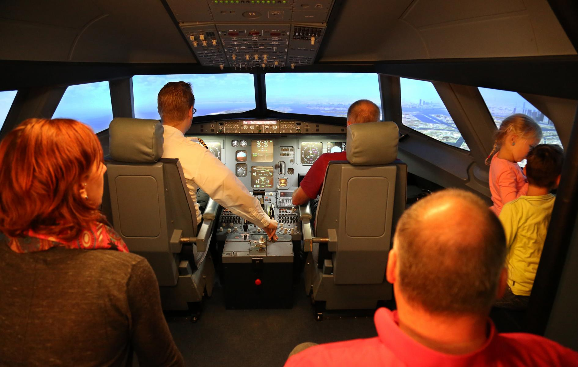 Erlebnis Berlin   Das JetSim-Flugsimulator-Erlebnis Berlin