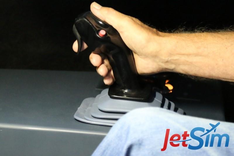 Die neuen und originalen Airbus-Sidesticks im JetSim-Flugsimulator Berlin