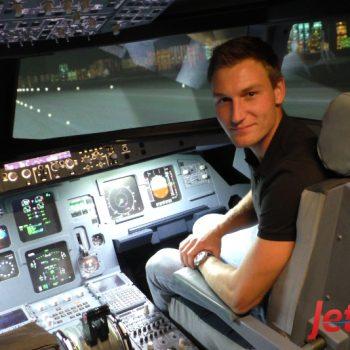 Speerwurf Leichtathlet Thomas Röhler als Pilot bei JetSim